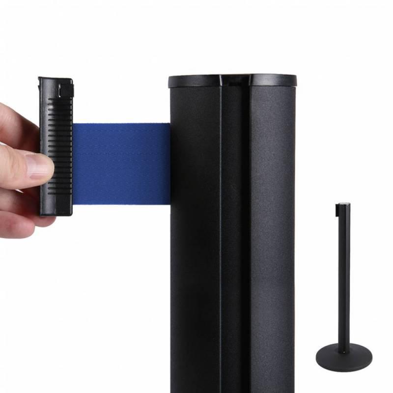 Poste separador negro con cinta azul de 2.6 metros