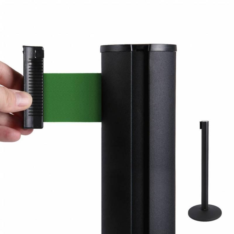Poste separador negro con cinta verde de 2.6 metros
