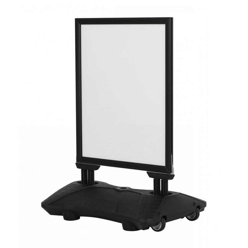 Caballete para exterior en color negro con base rellenable